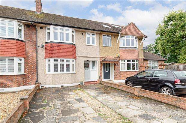 3 Bedrooms Terraced House for sale in Monkleigh Road, MORDEN, SM4 4ER