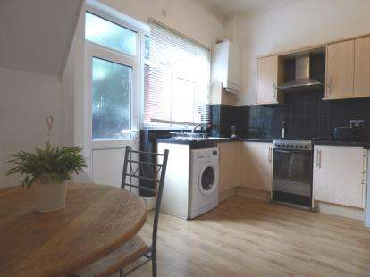 2 Bedrooms Terraced House for sale in Milner Street, Deepdale, Preston, Lancashire, PR1