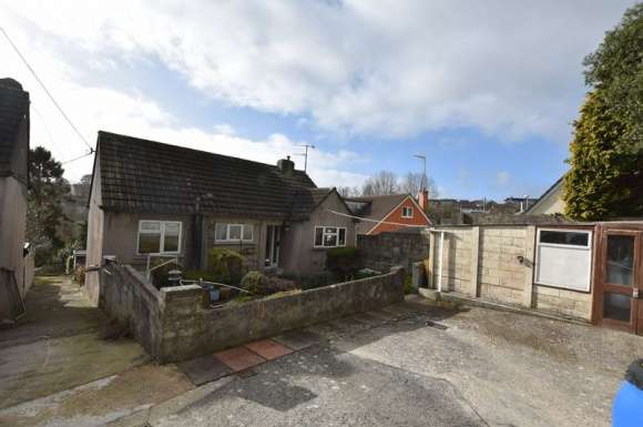 2 Bedrooms Bungalow for sale in Love Lane, Saltash