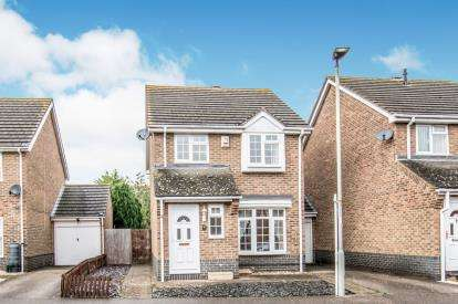 3 Bedrooms Detached House for sale in Clover Avenue, Bedford, Bedfordshire, .