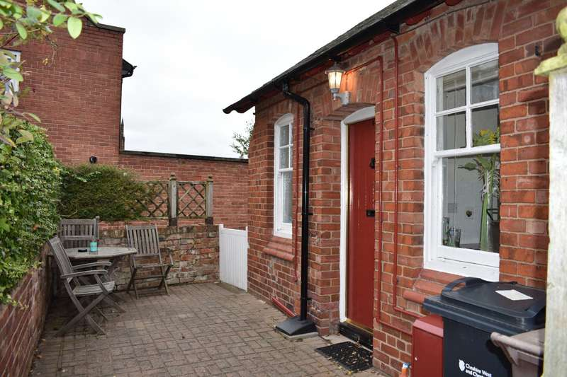 1 Bedroom Cottage House for rent in Grosvenor Cottages, Browns Lane, Chester