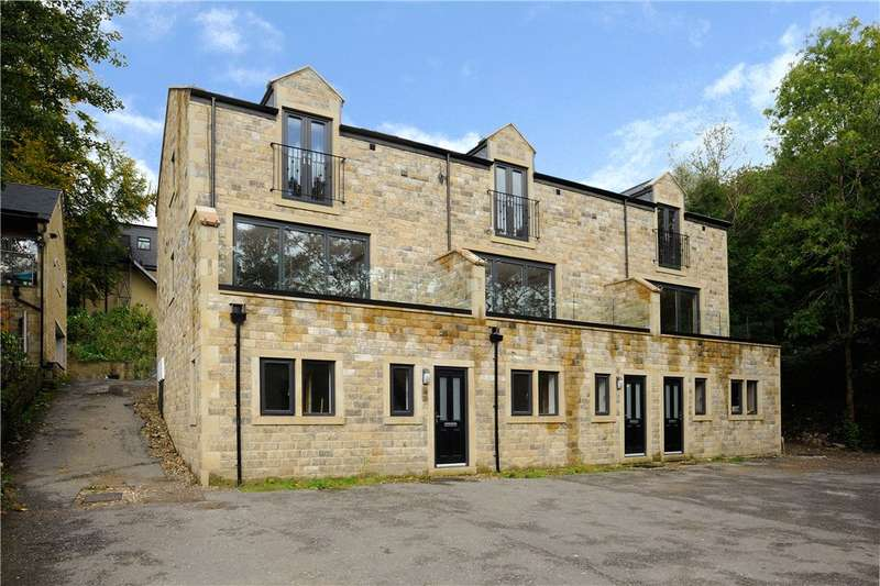 3 Bedrooms Town House for sale in Waterside Close, Ripponden, West Yorkshire