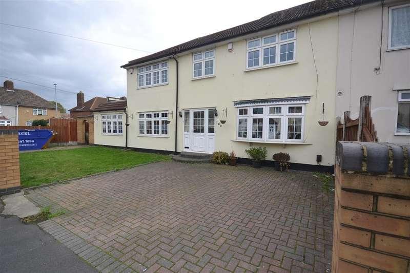 4 Bedrooms Semi Detached House for sale in Romsey Road, Dagenham