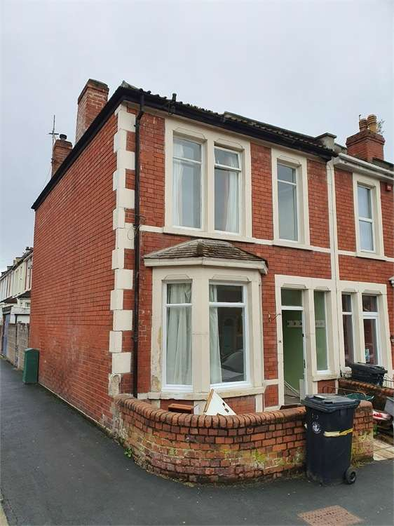4 Bedrooms End Of Terrace House for rent in York Road, Bristol