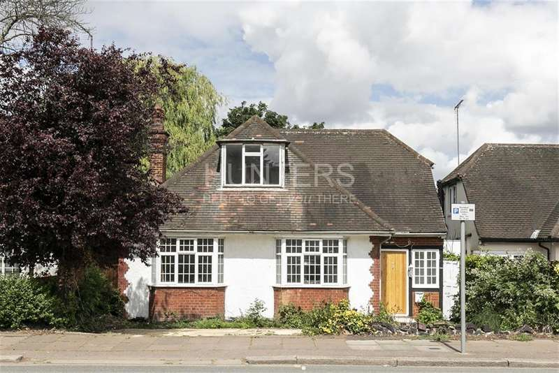 4 Bedrooms House for sale in The Vale, London, NW11