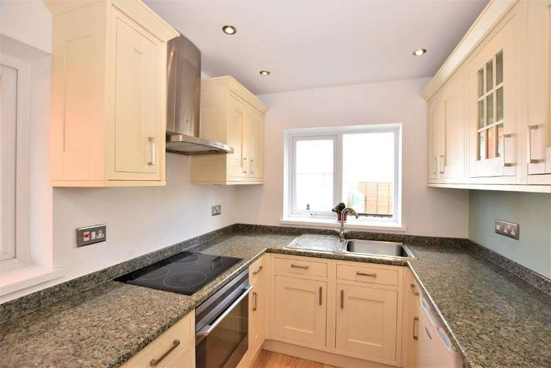 3 Bedrooms Semi Detached House for sale in Marsden Street, Kirkham
