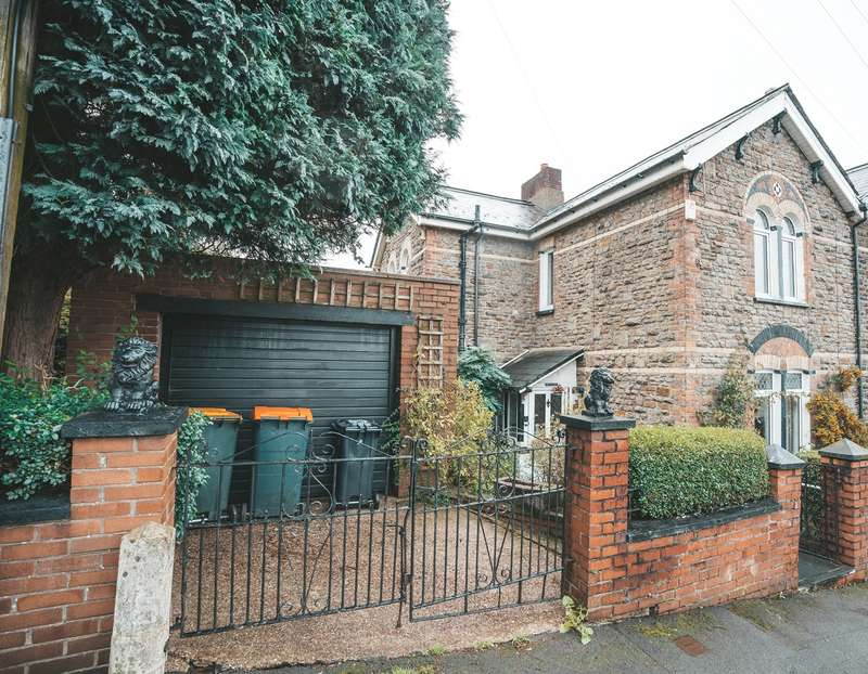 3 Bedrooms Semi Detached House for sale in Leicester Road, Newport, NP19