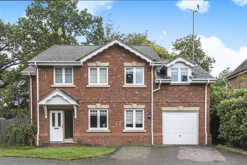 4 Bedrooms Detached House for sale in Blake Close, Crowthorne