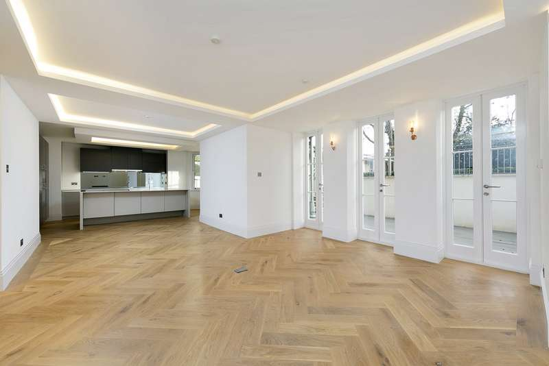 2 Bedrooms Apartment Flat for sale in The Green, Twickenham TW2