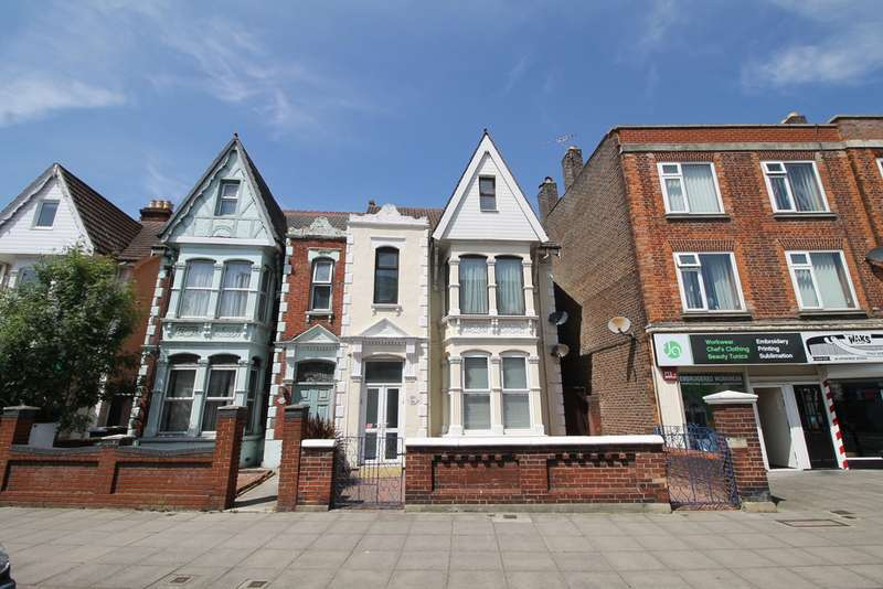 3 Bedrooms Maisonette Flat for sale in London Road, Portsmouth PO2