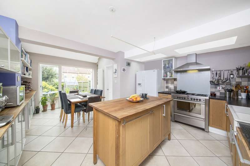 4 Bedrooms Semi Detached House for sale in Woodville Road, Thornton Heath