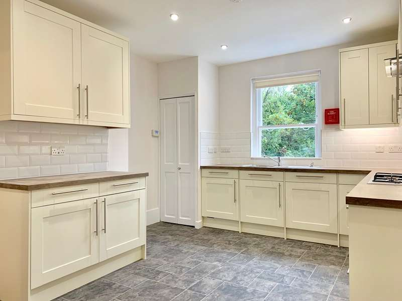 4 Bedrooms Apartment Flat for rent in Park Hall Road, West Dulwich