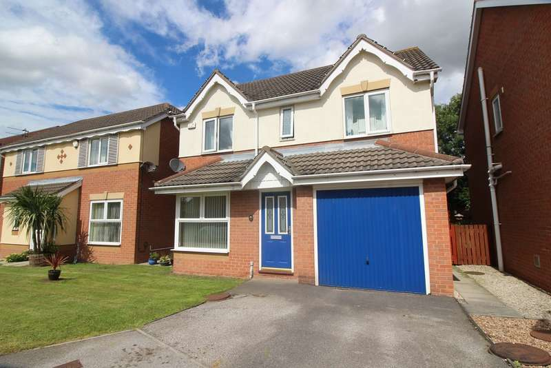 4 Bedrooms Detached House for sale in Pasture Drive, Castleford WF10