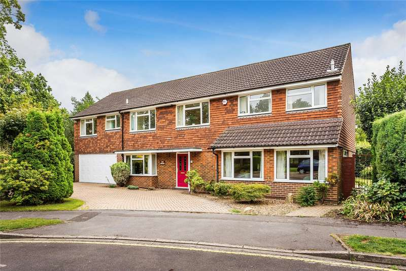 5 Bedrooms Detached House for sale in Dinsdale Close, Woking, Surrey, GU22