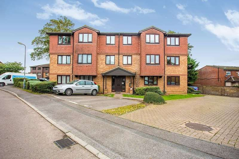 2 Bedrooms Flat for rent in Tylersfield, Abbots Langley, WD5