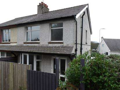 3 Bedrooms Semi Detached House for sale in Penrhos Road, Bangor, Gwynedd, LL57