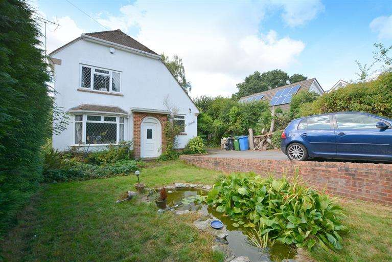 4 Bedrooms Detached House for sale in Magna Road, Bournemouth
