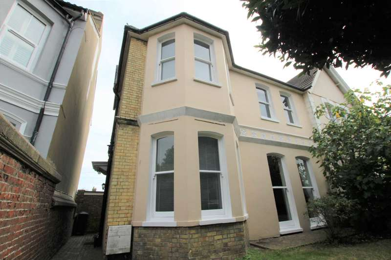 4 Bedrooms Semi Detached House for sale in Willingdon Road, Eastbourne, BN21 1TW