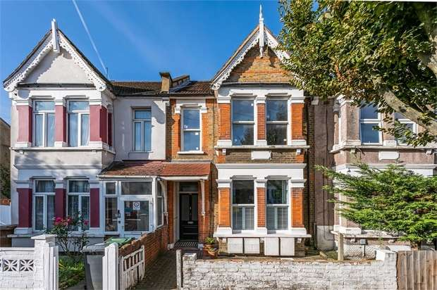 2 Bedrooms Flat for sale in Howard Road, Walthamstow, London