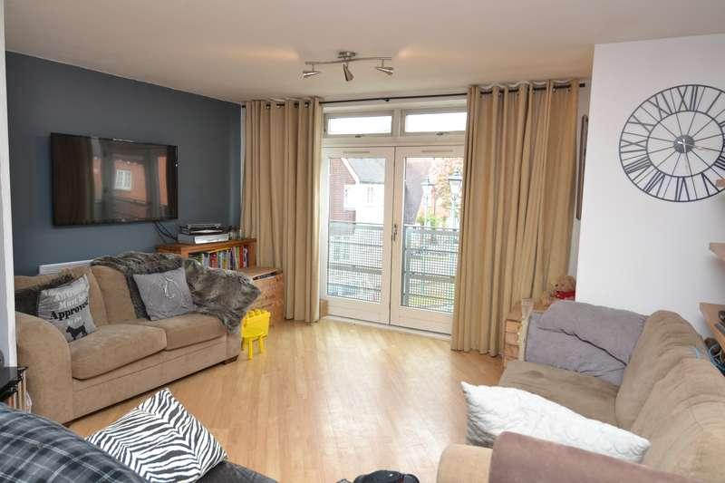 3 Bedrooms Flat for sale in Middlepark Drive, Northfield, Birmingham, B31