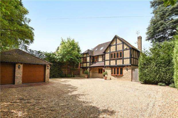 6 Bedrooms Detached House for sale in Finchampstead Road, Wokingham, Berkshire