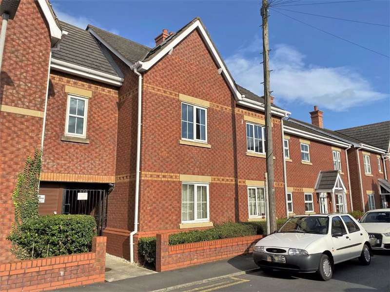 3 Bedrooms Apartment Flat for sale in The Mariners, Haven Road, Lytham