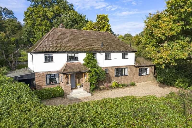 5 Bedrooms Detached House for sale in Blundel Lane, Cobham, KT11