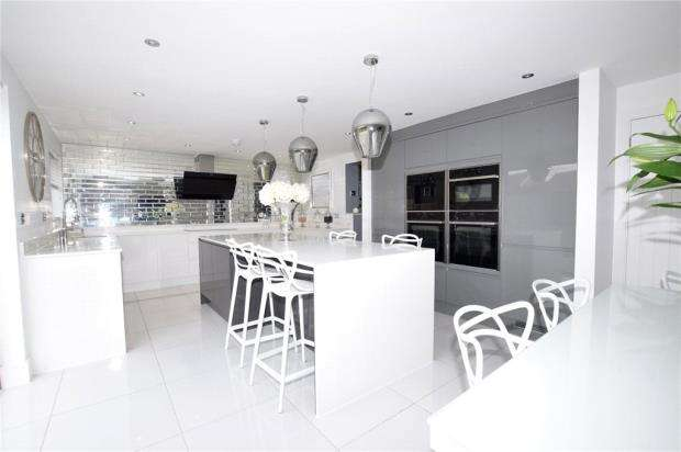 4 Bedrooms Semi Detached House for sale in Thorne Road, Kelvedon