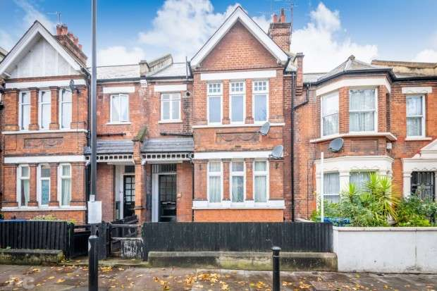 2 Bedrooms Apartment Flat for sale in Lyndhurst Way, Peckham, SE15