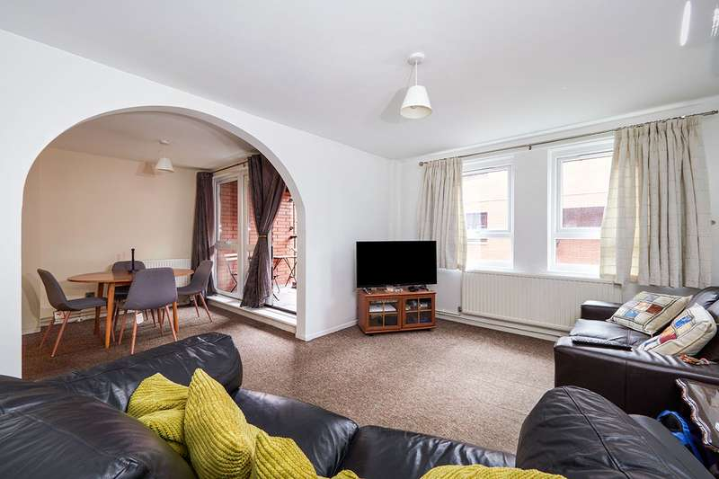 3 Bedrooms Apartment Flat for sale in Martlesham Walk, Manchester, Greater Manchester, M4