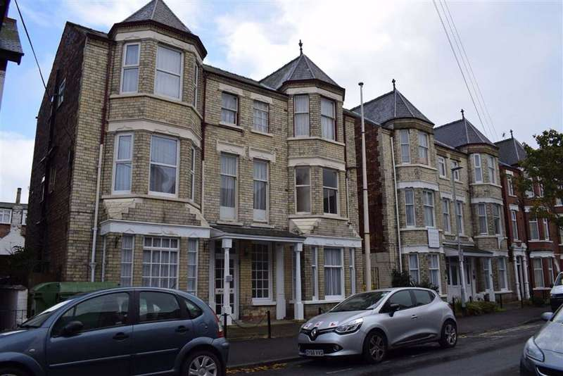 38 Bedrooms Commercial Property for sale in Marshall Avenue, Bridlington, East Yorkshire