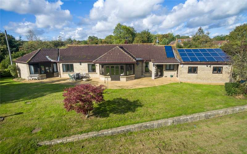 3 Bedrooms Detached Bungalow for sale in Helland, North Curry, Taunton, Somerset, TA3