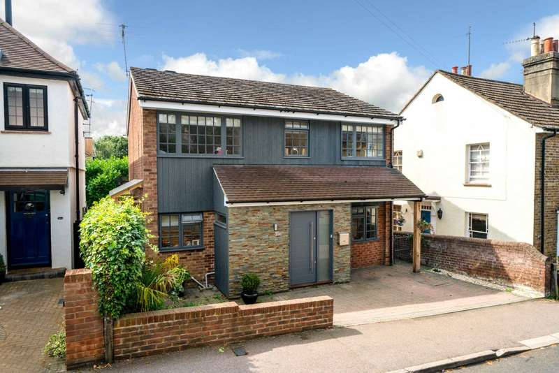 4 Bedrooms Detached House for sale in REFURBISHED 4 DOUBLE BEDROOM - SOUGHT AFTER OLD TOWN, HP2