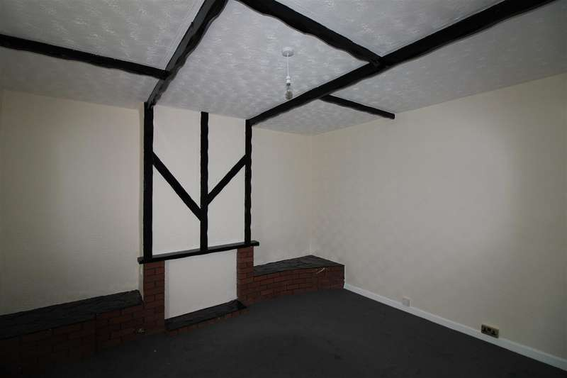 3 Bedrooms End Of Terrace House for rent in Stopes Road, Manchester