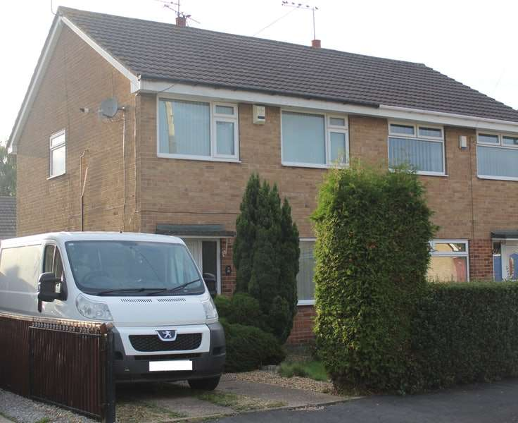 3 Bedrooms Semi Detached House for sale in Oxenhope Road, Hull, East Yorkshire, HU6