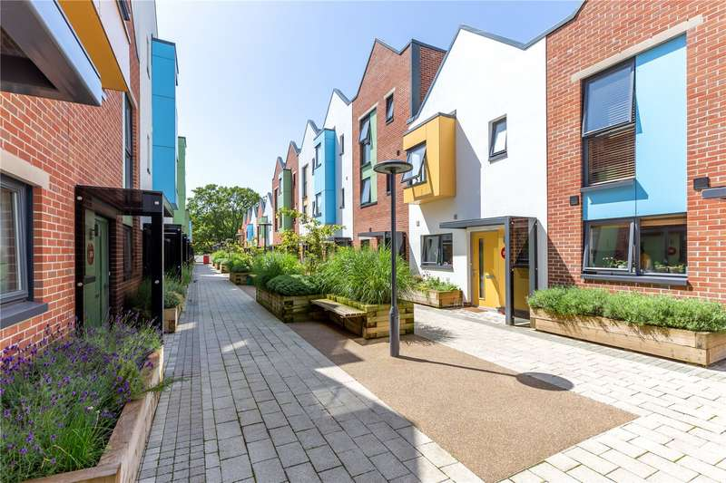 2 Bedrooms Flat for sale in Paintworks, Arnos Vale, Bristol BS4