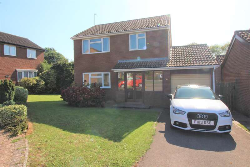 4 Bedrooms Detached House for sale in Swallow Park, Thornbury, Bristol, BS35 1LT
