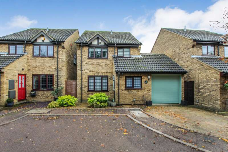4 Bedrooms Detached House for sale in May Close, Eaton Bray, Dunstable