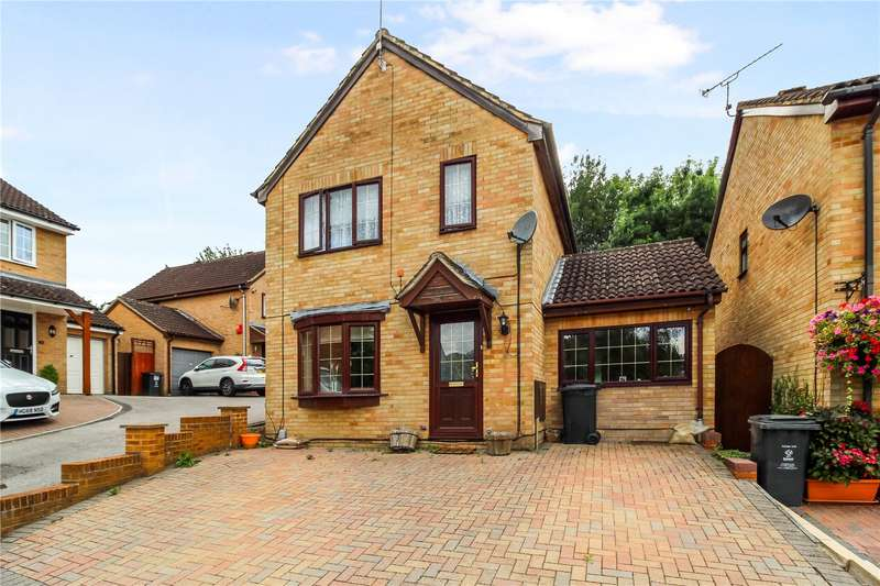 3 Bedrooms Detached House for sale in Clary Road, Haydon Wick, Swindon, SN2