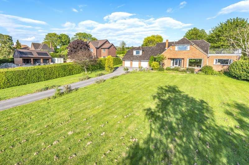 4 Bedrooms Detached House for sale in Ham Road, Wanborough, SN4