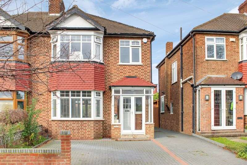 3 Bedrooms Property for sale in Delhi Road, Enfield