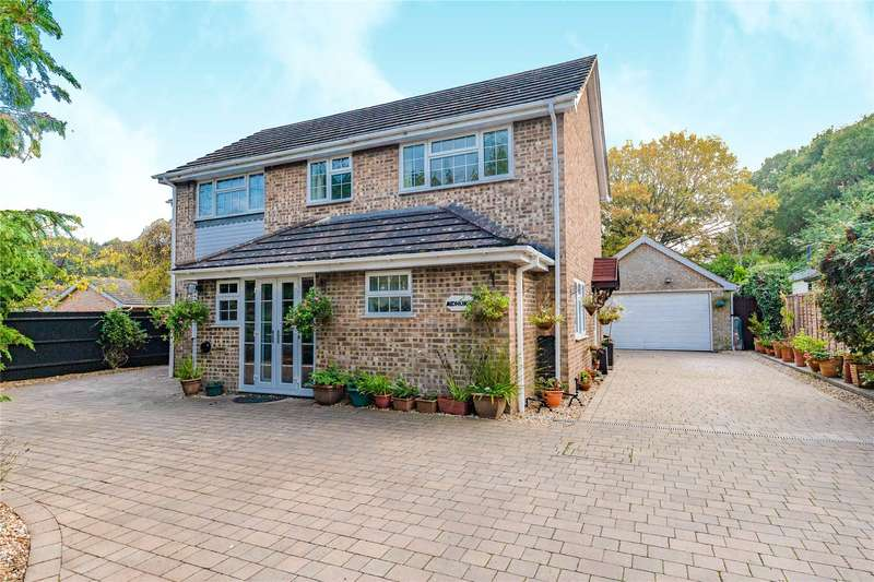 4 Bedrooms Detached House for sale in Highland Avenue, Wokingham, Berkshire, RG41