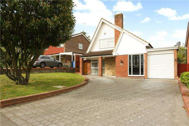 3 Bedrooms Detached House for sale in Hemwood Road, Windsor, Berkshire