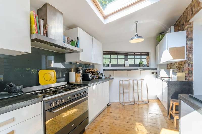 2 Bedrooms House for sale in Lansdowne Place, SE19, Crystal Palace, SE19