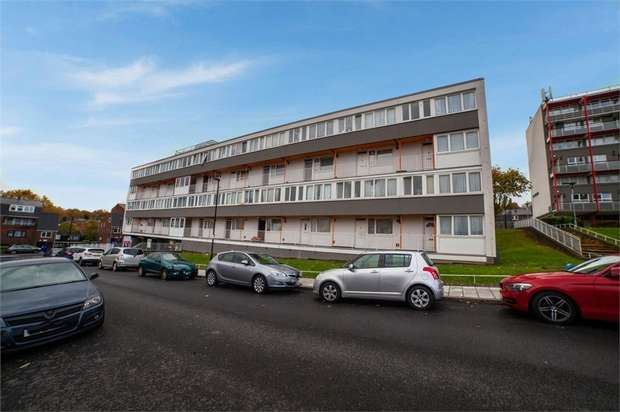 3 Bedrooms Flat for sale in Dallas Road, London