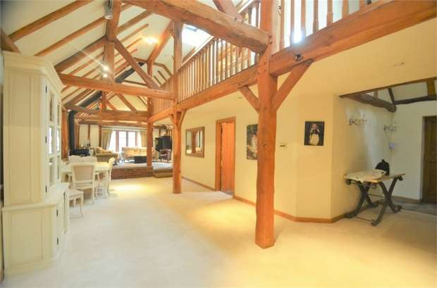 5 Bedrooms Barn Conversion Character Property for sale in Mimms Lane, Shenley, Radlett, Hertfordshire