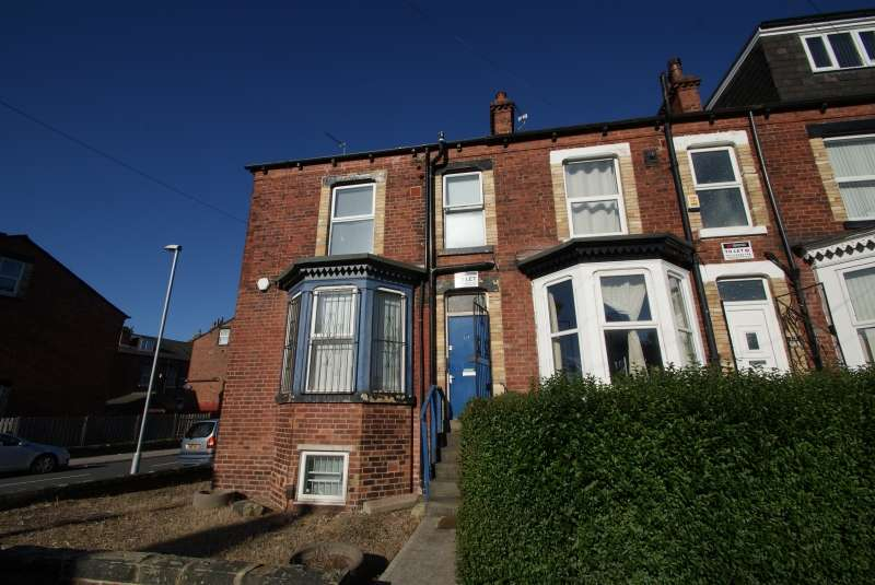 6 Bedrooms End Of Terrace House for rent in Cardigan Lane, Hyde Park, Leeds