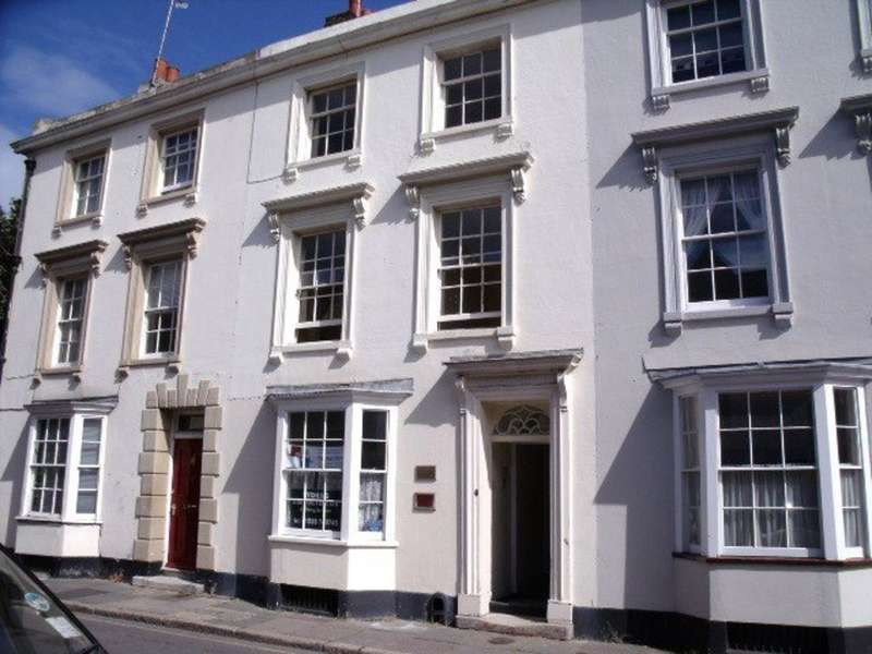 6 Bedrooms Terraced House for rent in Church Street, St Pauls CT1