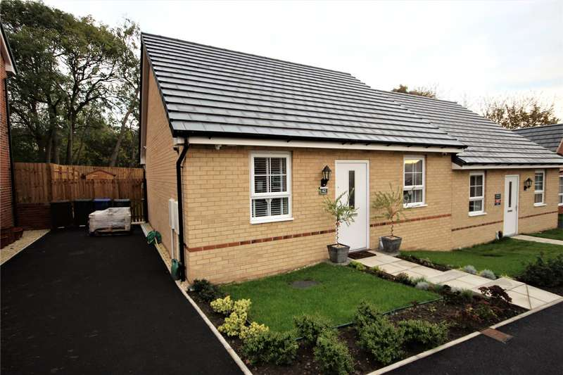2 Bedrooms Bungalow for sale in Carrs Avenue, Cudworth, Barnsley