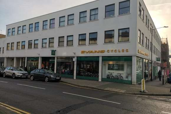 9 Bedrooms Property for rent in Flat 5, 118-120 Warwick Streret